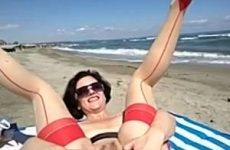Extreem kinky on the beach